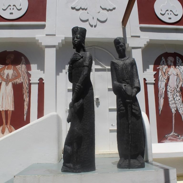 statues outside Kimme Museum